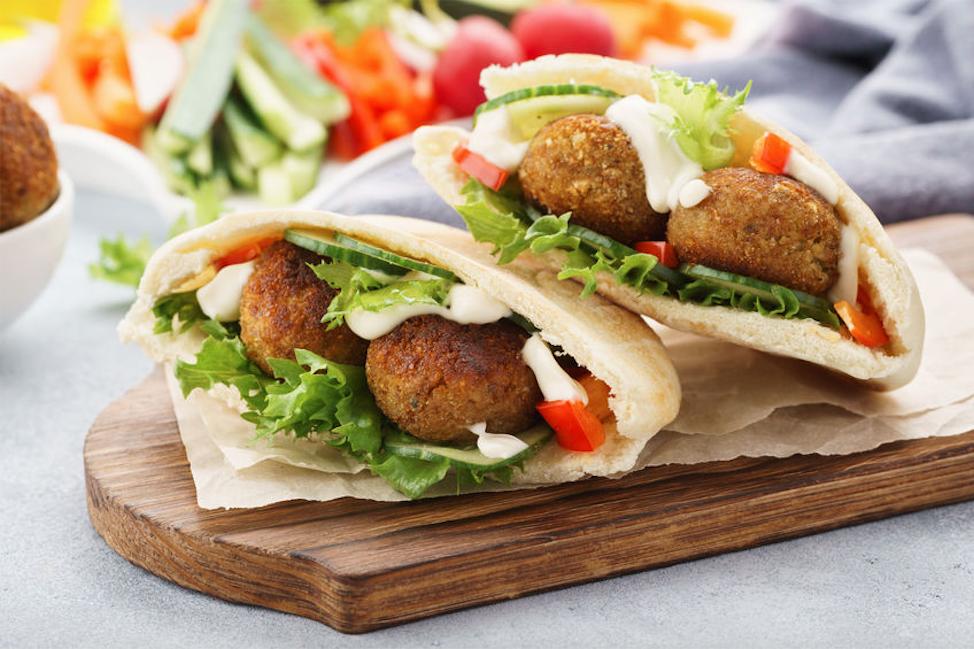 JBT_MFryer_vegetarian_falafel_123rf
